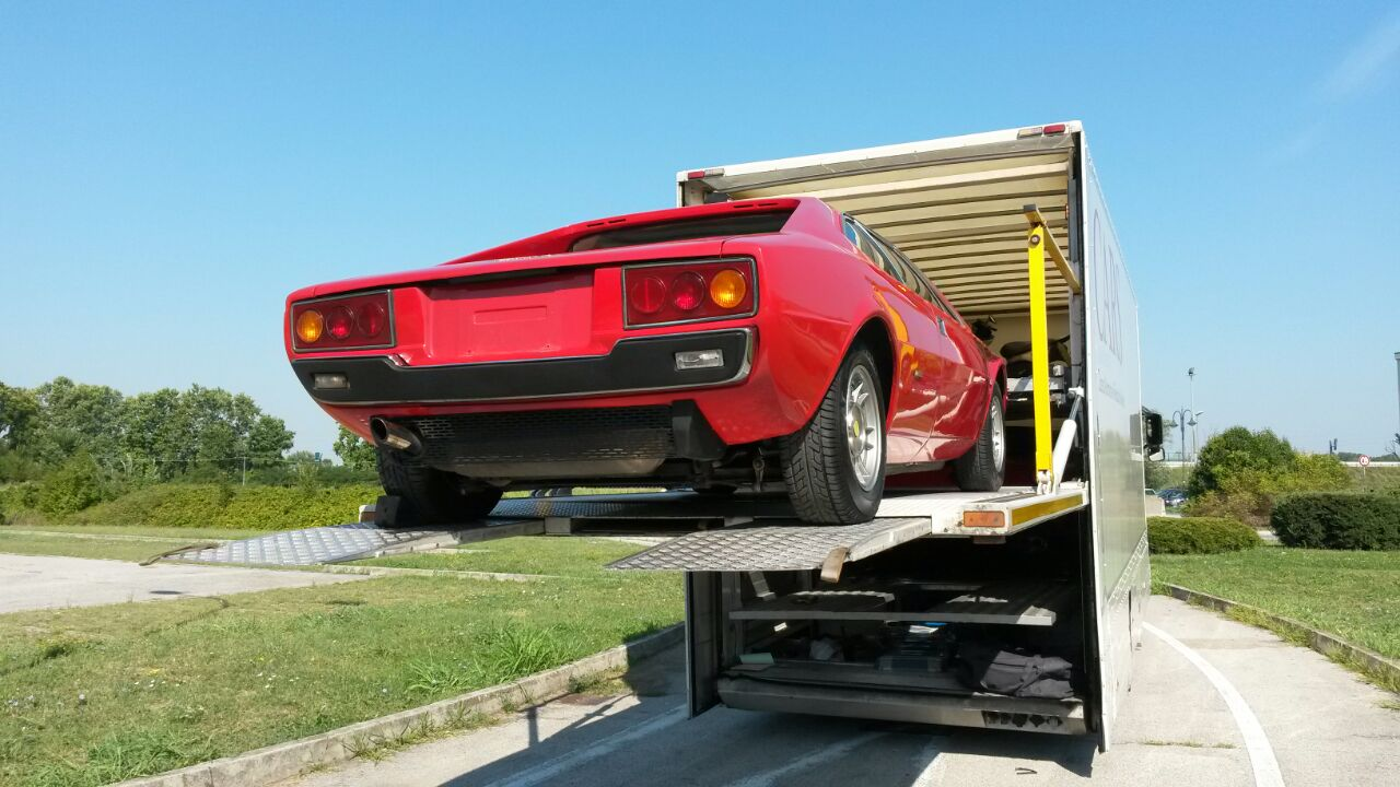 Dino208gt4 is now on loading_a0129711_19115535.jpg