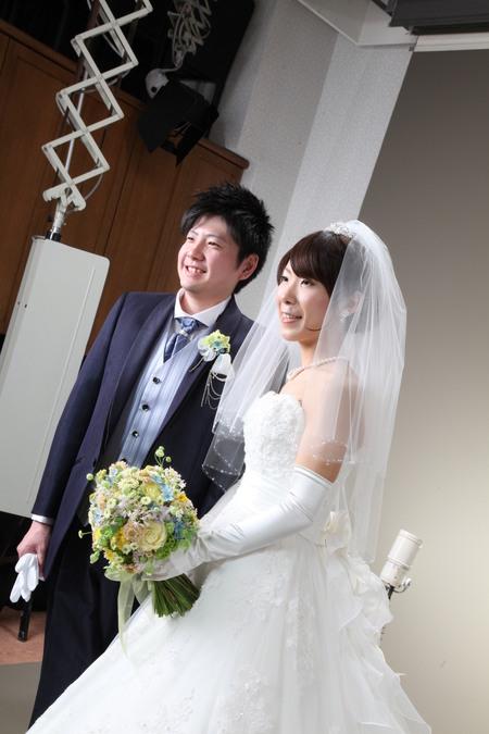 新郎新婦様からのメール シェラトングランデ東京ベイ様へ 草花の黄色と水色で_a0042928_2361517.jpg