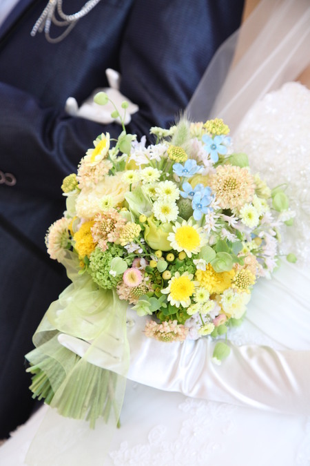 新郎新婦様からのメール シェラトングランデ東京ベイ様へ 草花の黄色と水色で_a0042928_2363321.jpg