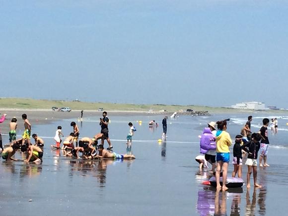 サメ確認に伴う日川浜・波崎両海水浴場の遊泳禁止措置について_f0229750_1426118.jpg