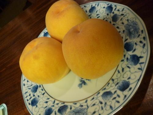 まだまだ貴重なフルーツです!_e0252966_12304333.jpg