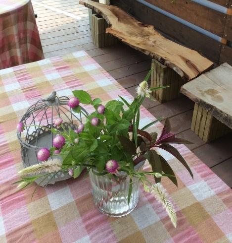 テーブルに花がなかったら・・・・・_b0137969_14071350.jpg