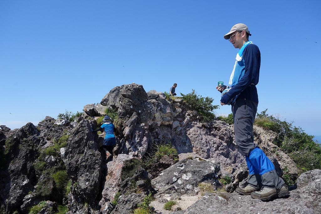 恵庭岳西峰と本峰、8月8日_f0138096_11313976.jpg