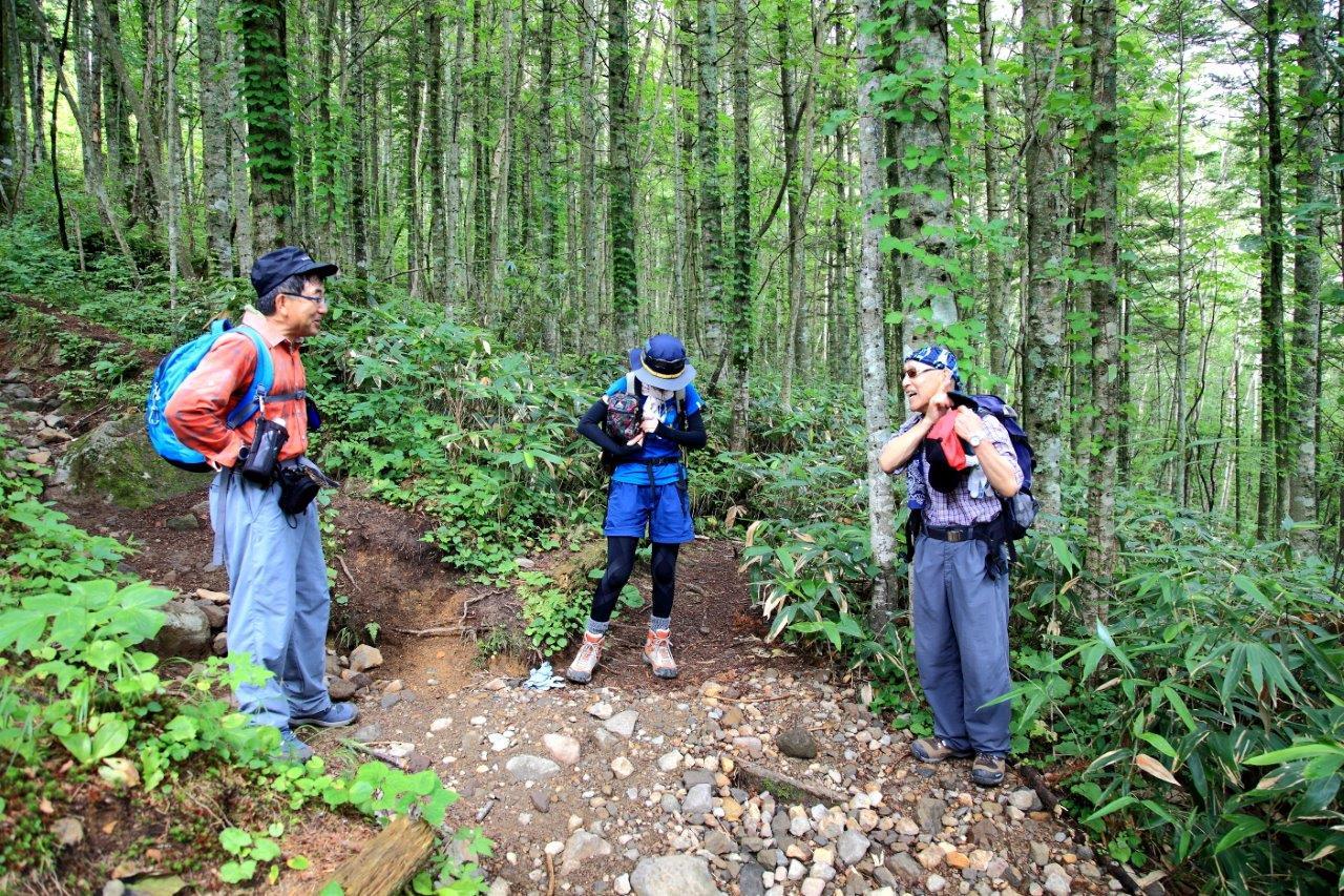 恵庭岳西峰と本峰、8月8日-同行者からの写真-_f0138096_1443198.jpg