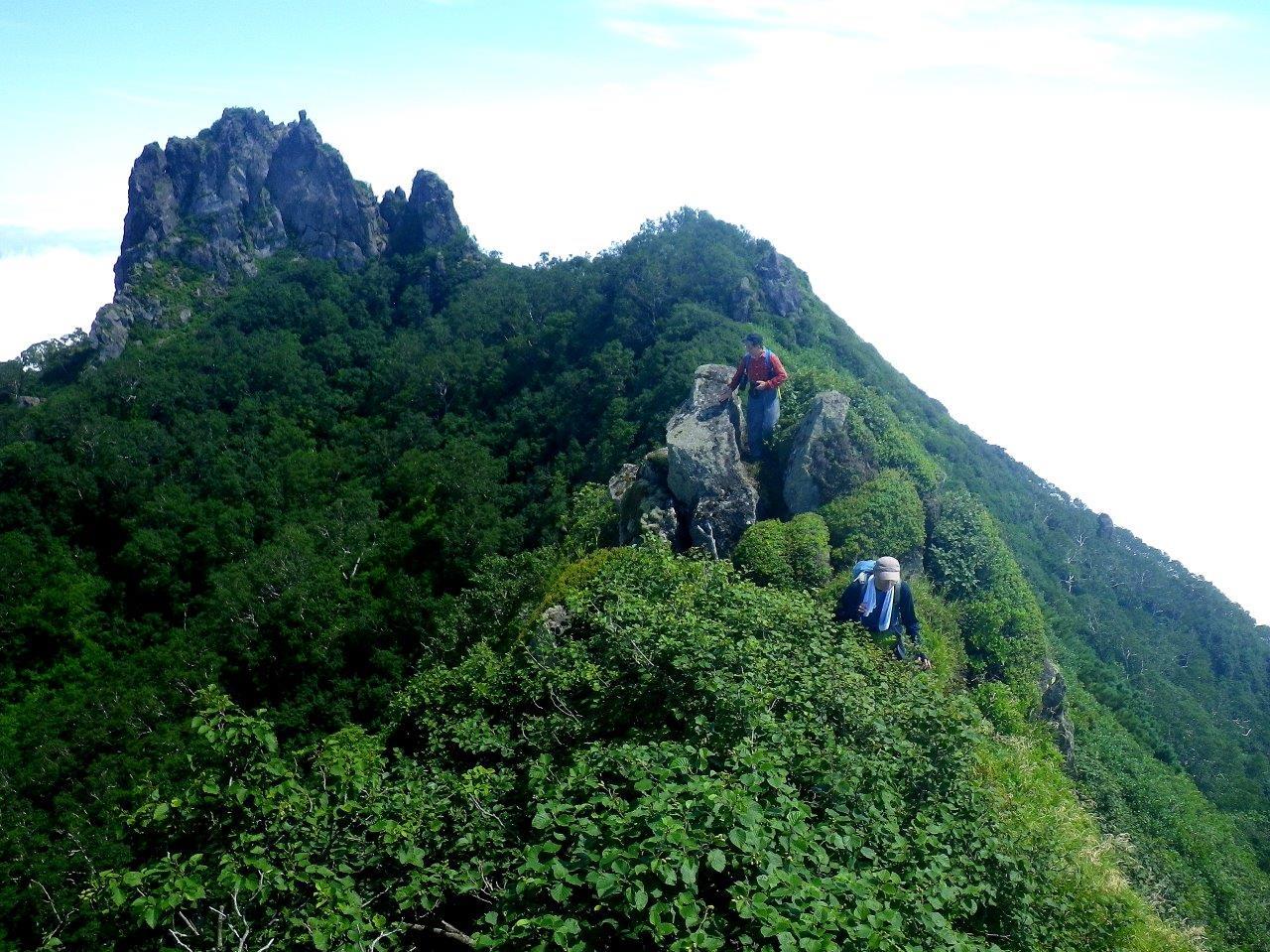 恵庭岳西峰と本峰、8月8日-同行者からの写真-_f0138096_1444954.jpg