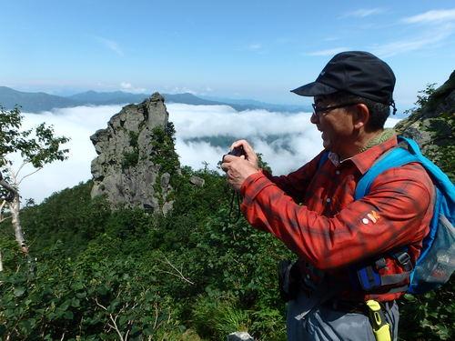 恵庭岳西峰と本峰、8月8日-同行者からの写真-_f0138096_14452849.jpg