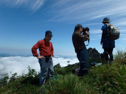 恵庭岳西峰と本峰、8月8日-同行者からの写真-_f0138096_14455334.jpg