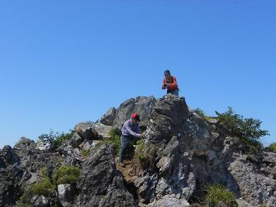 恵庭岳西峰と本峰、8月8日-同行者からの写真-_f0138096_1446477.jpg