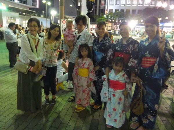7/31 布施駅前で盆踊り_e0175020_0124852.jpg