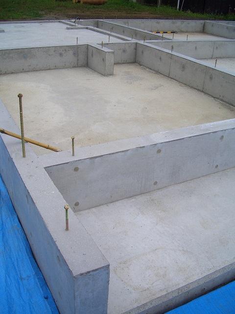 伊那市 伊那谷の平屋 基礎完成_b0146238_22401216.jpg