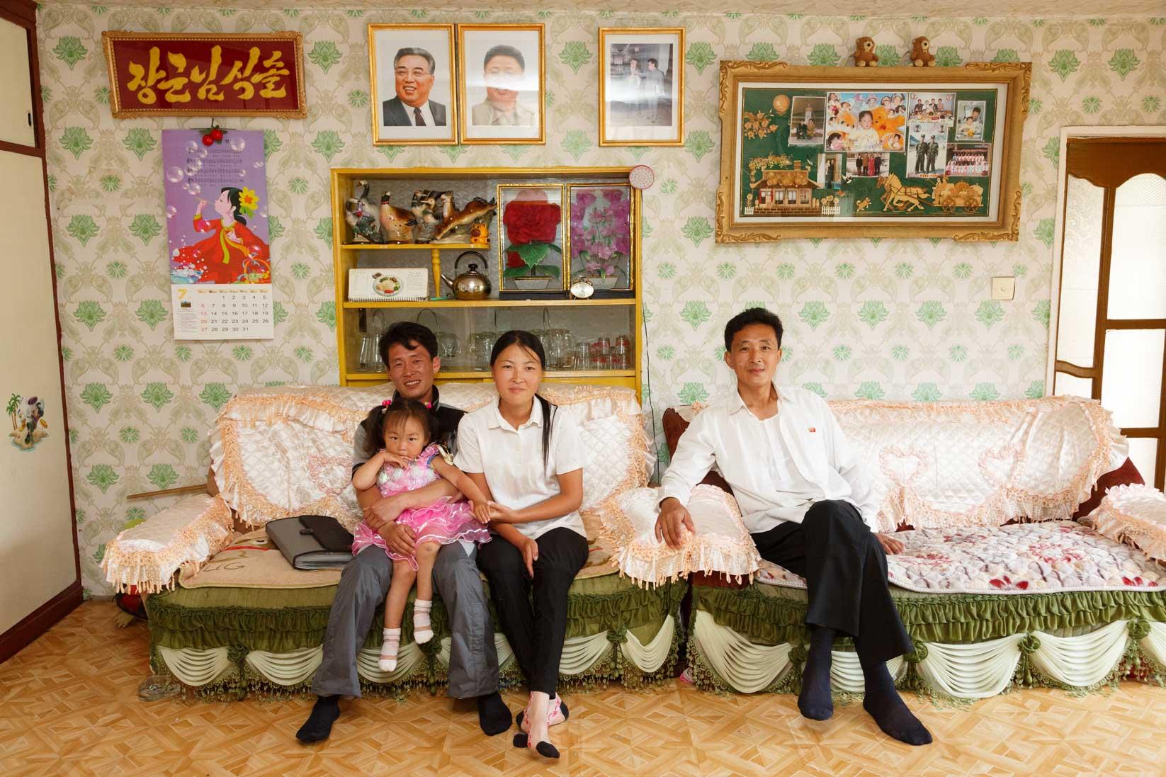 朝鮮でホームステイ その奇妙な世界_b0235153_16334271.jpg