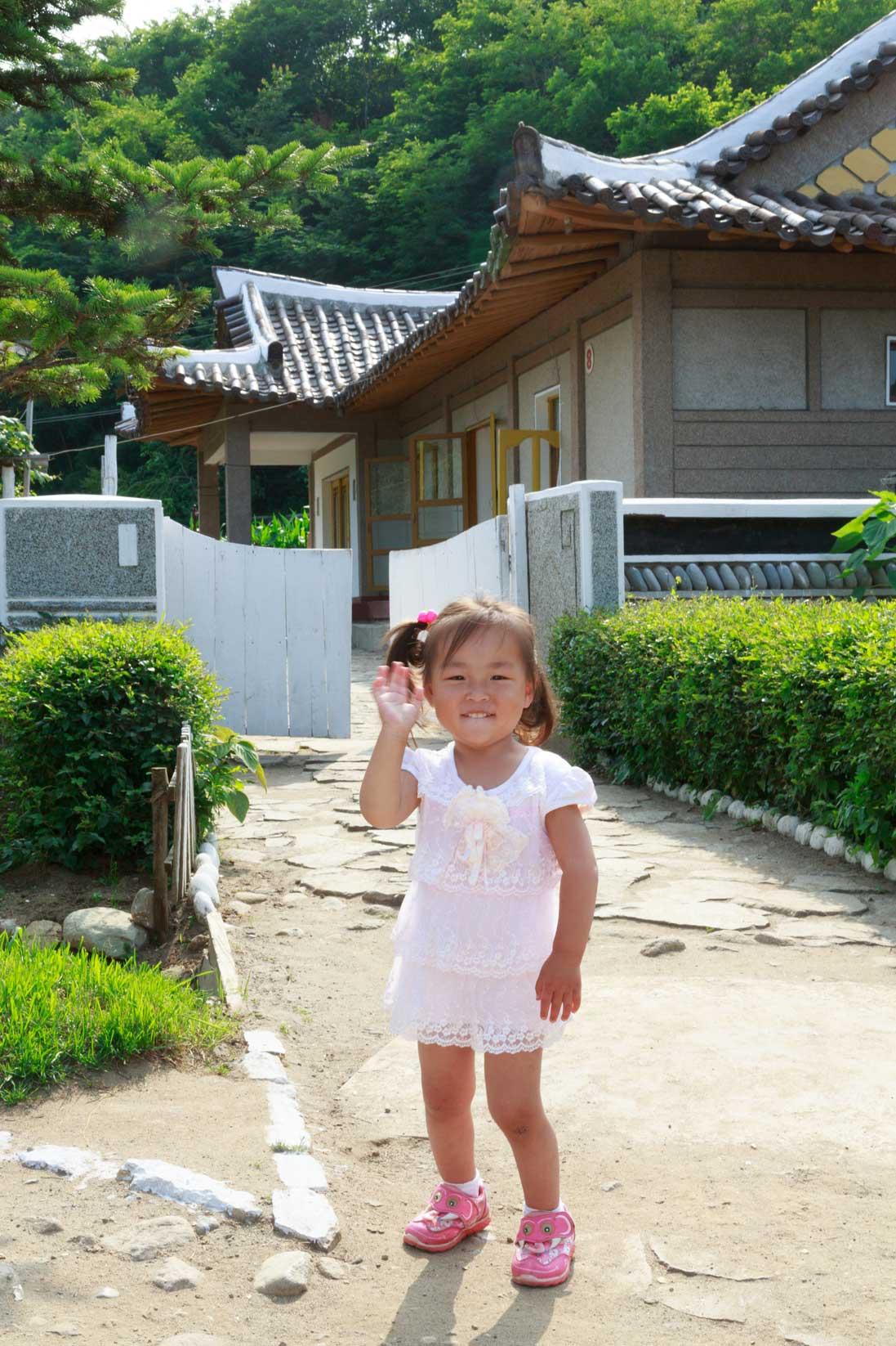 朝鮮でホームステイ その奇妙な世界_b0235153_16341840.jpg