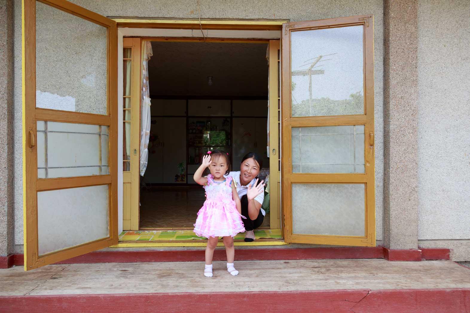 朝鮮でホームステイ その奇妙な世界_b0235153_1634280.jpg