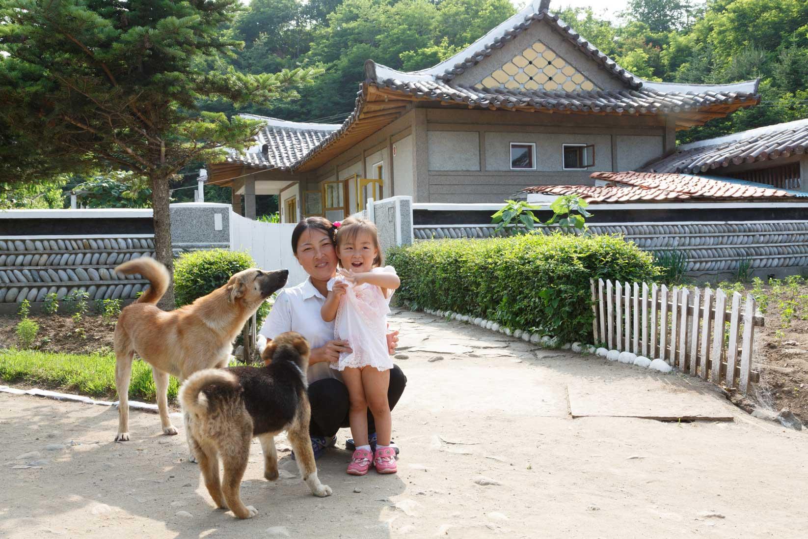 朝鮮でホームステイ その奇妙な世界_b0235153_16342854.jpg