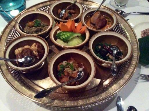 ラストディナーはカントーク料理で_b0210699_01572585.jpg