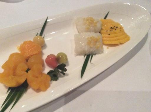 ラストディナーはカントーク料理で_b0210699_02020637.jpg