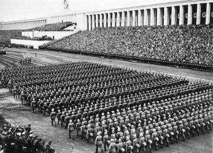 ドイツ、ニュルンベルク その 2 : ドク・ツェントルム、ナチス党大会跡_e0345320_14451153.jpg