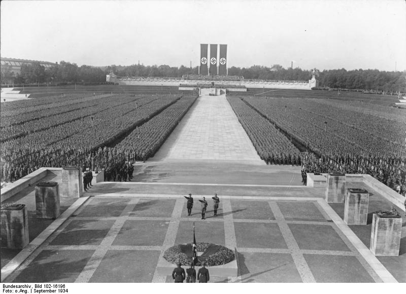 ドイツ、ニュルンベルク その 2 : ドク・ツェントルム、ナチス党大会跡_e0345320_14473742.jpg