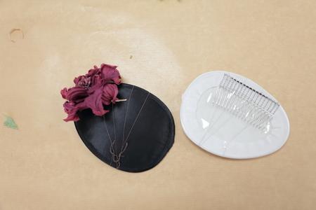 はじめてでも簡単!花の髪飾りの作り方 ヘッドベースを使って 東京堂7階展示のウェディング展示2_a0042928_13555125.jpg