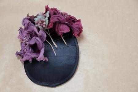 はじめてでも簡単!花の髪飾りの作り方 ヘッドベースを使って 東京堂7階展示のウェディング展示2_a0042928_14247.jpg