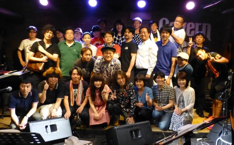 8月1日、カラフル夏の2デイズライブ初日のライブレポ♪          _e0188087_19403738.jpg