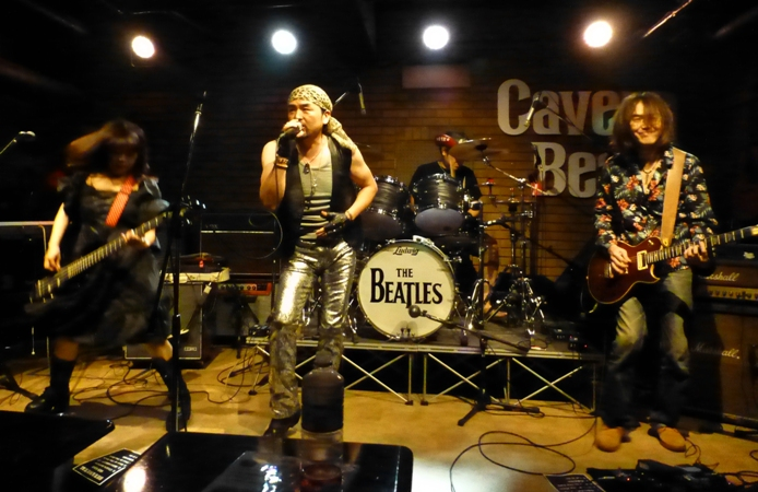 8月1日、カラフル夏の2デイズライブ初日のライブレポ♪          _e0188087_2126653.jpg