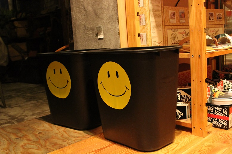 """JACKSON MATISSE \""""SMILE KC & RUBBERMAID RECYCLE CONTAINER\"""" ご紹介_f0191324_97286.jpg"""
