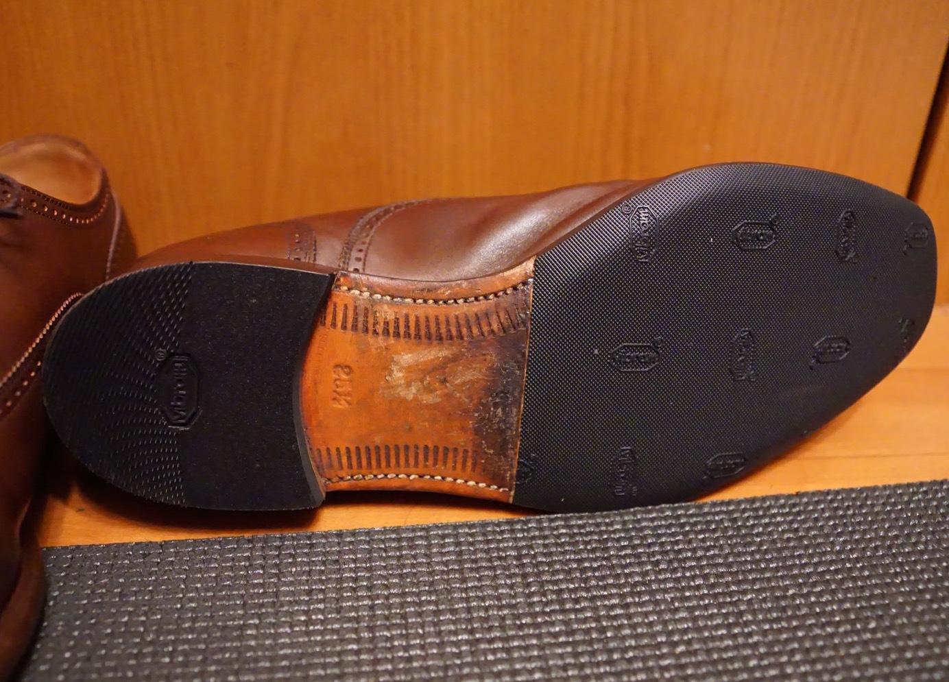 履き続けていたスコッチグレインがボロボロになったのでミスターミニッツで修理してみた。それがエコ。_b0024832_19165267.jpg