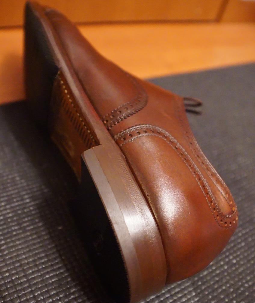 履き続けていたスコッチグレインがボロボロになったのでミスターミニッツで修理してみた。それがエコ。_b0024832_19170884.jpg