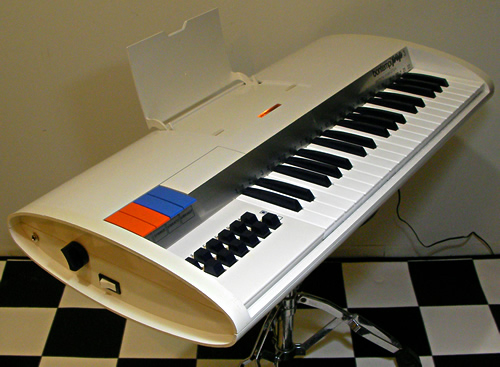 Bontempi POP3 3712.4_e0045459_0223571.jpg