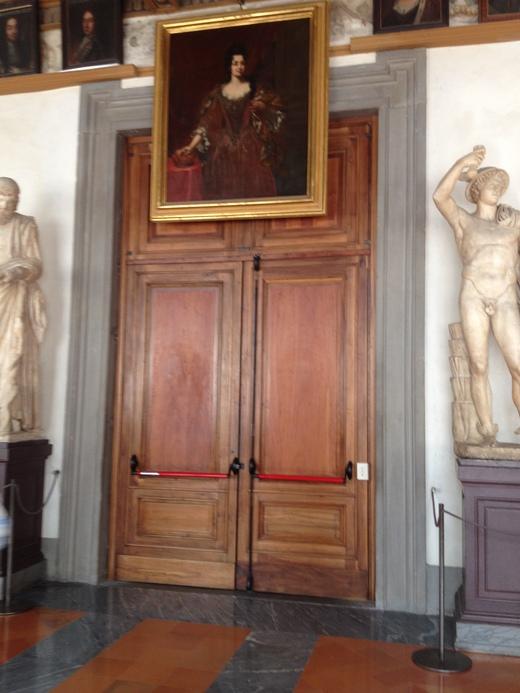 ヴァザーリの回廊と22年前の悲しいテロ_a0136671_0324784.jpg