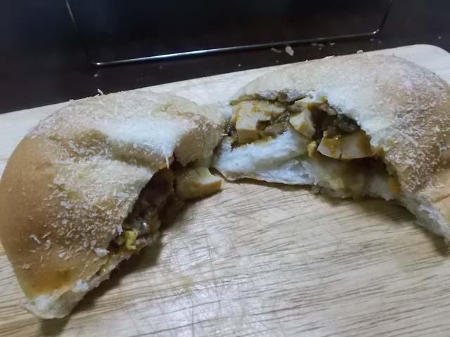 ぶどうパンの朝食_f0019498_932673.jpg