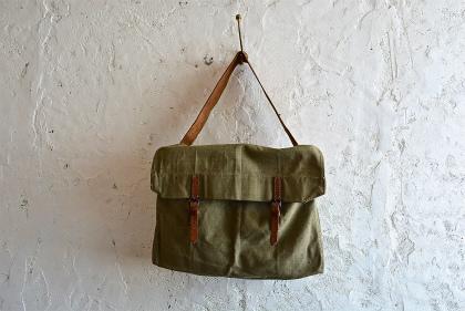 Belgian army 50\'s postman bag_f0226051_1521096.jpg