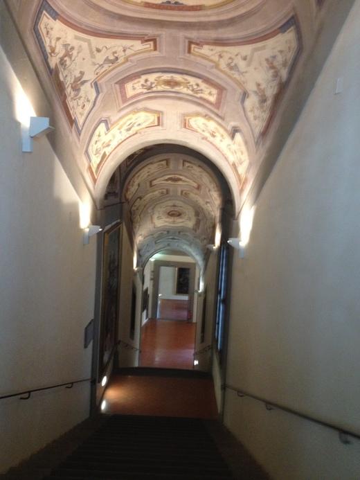 ヴァザーリの回廊に入ってから二人の有名人_a0136671_3393949.jpg