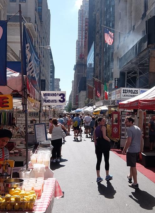夏のNYのストリート・フェアは「夏祭り」って感じたっぷり_b0007805_0285262.jpg