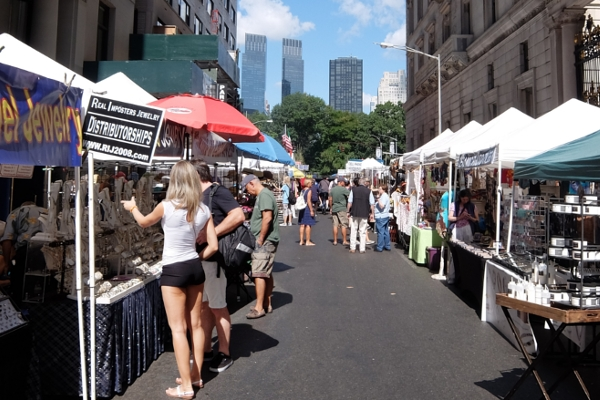 夏のNYのストリート・フェアは「夏祭り」って感じたっぷり_b0007805_0303645.jpg
