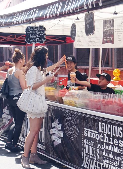 夏のNYのストリート・フェアは「夏祭り」って感じたっぷり_b0007805_16296.jpg