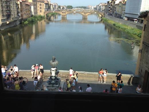 ヴァザーリの回廊とチェッリーニ_a0136671_042482.jpg