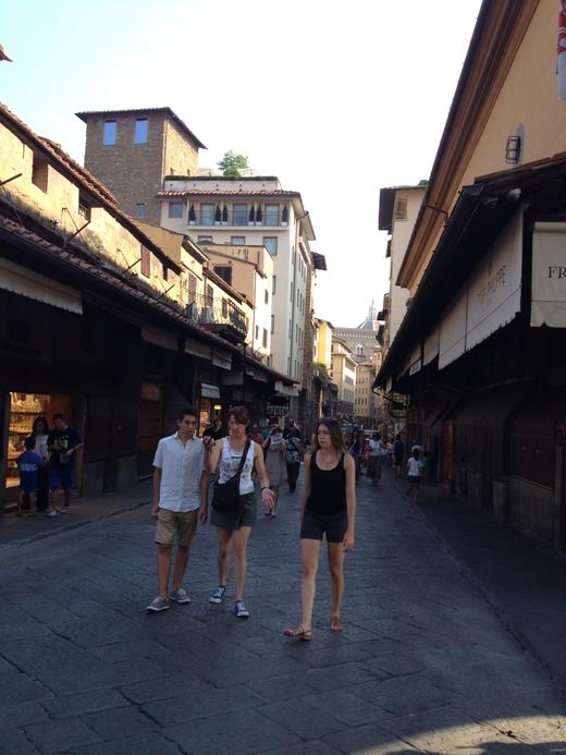 ヴァザーリの回廊とチェッリーニ_a0136671_0432316.jpg