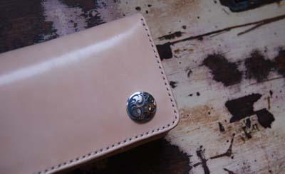 オリジナルマークのお財布_f0155891_1872240.jpg