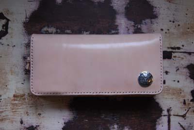 オリジナルマークのお財布_f0155891_1872737.jpg