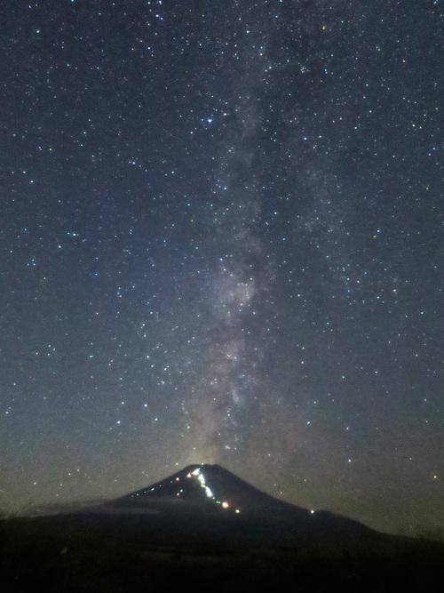 2015.8.15富士山と星空_e0321032_10291354.jpg