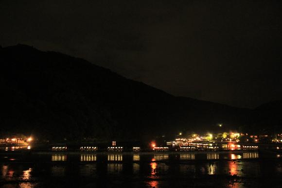 嵐山・・・お盆の終わりを告げる風景。_d0202264_1142465.jpg