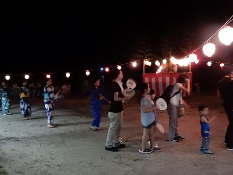 女子畑で盆踊り_e0175370_85644.jpg