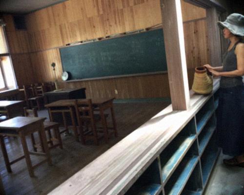 山奥にある廃校の本屋さん〜book cafe kuju 〜_d0077603_17235599.jpg