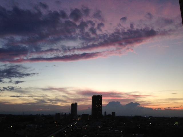 《空と雲》彩雲、そして夕焼け空~高次の存在を感じてみる。~_b0298740_21575793.jpg
