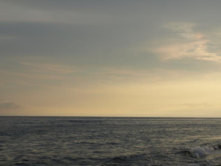 晩夏の海辺から_e0122680_17541162.jpg