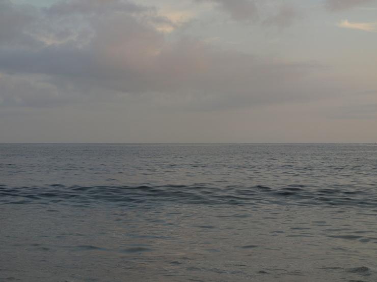 晩夏の海辺から_e0122680_17543989.jpg