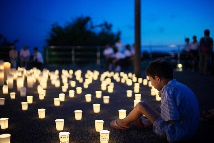 2015.8.15 新潟日報『WHITE PEACE PROJECT』 献灯_f0139898_1844090.jpg