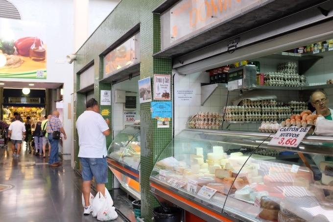 Mercado de Vegueta グランカナリア島のラス パルマス中央市場_b0246303_04512033.jpg